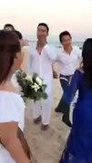 Hậu trường đám cưới vui nhộn của Ngu