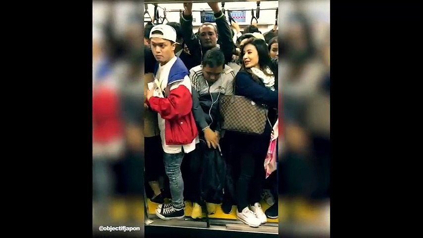 Đây là cách mà người Nhật Bản đi tàu điện ngầm trong giờ cao điểm | Godialy.com