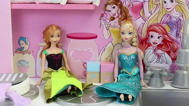 Disney Princess Kitchen with Frozen Elsa and Anna as They Find Shopkins and Ninja Turtles Toys