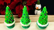 Christmas Tree Cupcakes: Christmas Cupcakes from Cookies Cupcakes and Cardio
