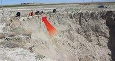 Konya'da Arazinin Çökmesiyle 20 Metre Derinliğinde Dev Obruk Oluştu