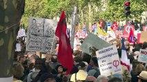 """Manifestation contre le """"coup d'Etat social"""" de Macron"""