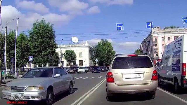 Ultimate IDIOT TRUCK AND CARS DRIVERS FAIL