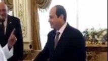 مسئول اماراتي للسيسي: احنا معاك حتى لو مش هناكل