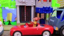 Zootopia Nick Wilde and Judy Toys Police Officer Giving Parking Tickets and Throwing the F