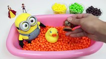 LEARN Colors Minion Doll Bath Time with Skittles Candy and Num Noms Shopkins Surprise Toys!