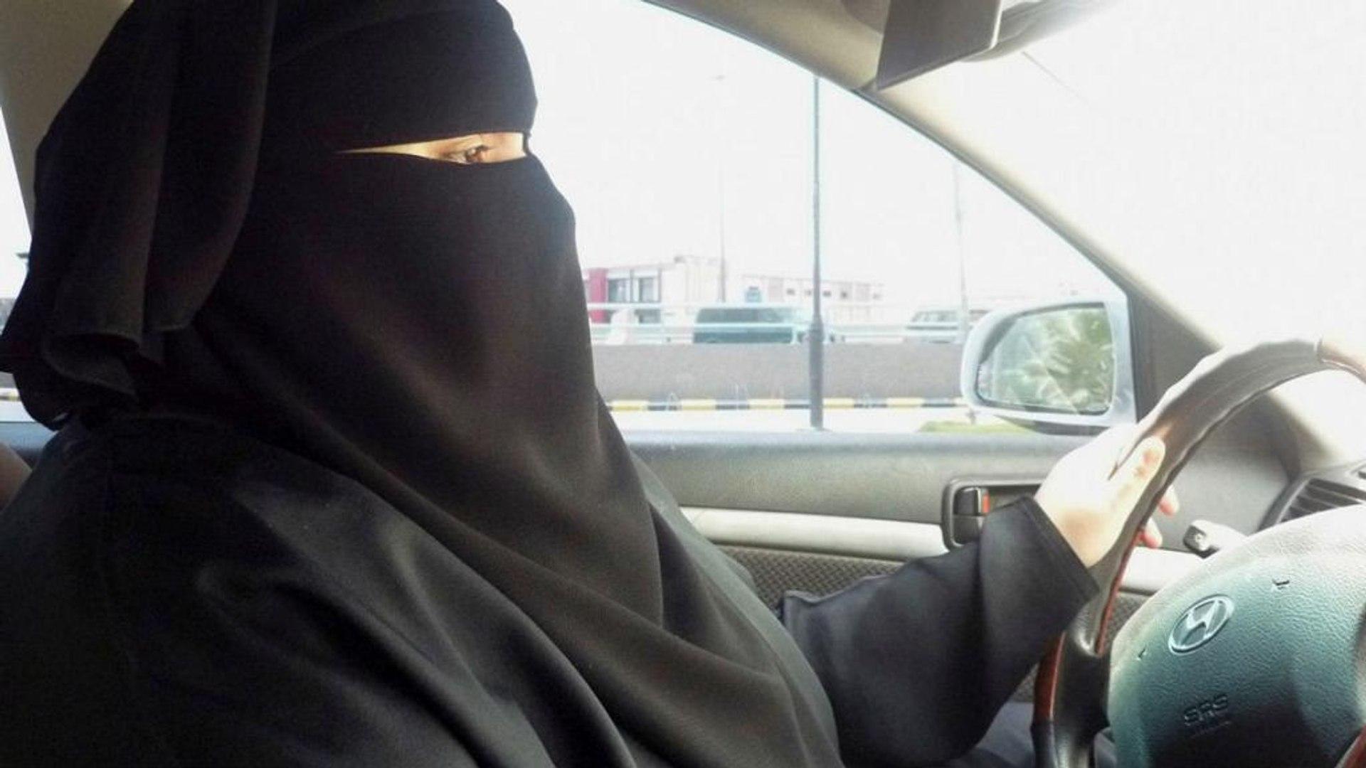Король Саудовской Аравии разрешил женщинам водить машину - AL ARABIYA TV