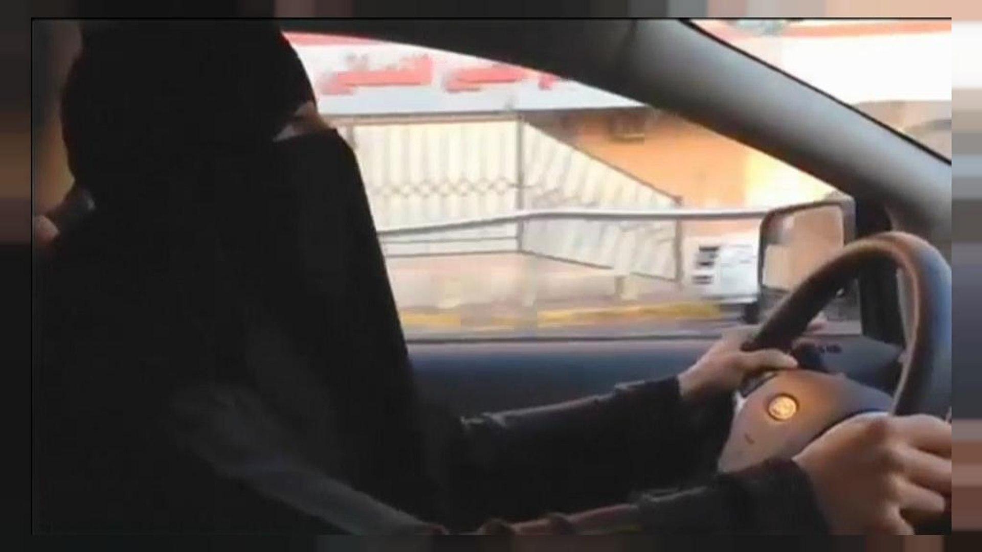 Саудовский король пустил женщин за руль