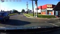 Une fraude réalisée par une femme en poussant son mari devant une voiture arrivant sur la route !