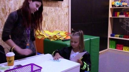 Kids Will Киев Город Профессий для детей! Ярослава ДОКТОР лечит и делает уколы! Play for Kids Part 1