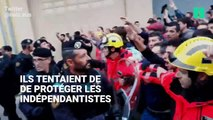 Les pompiers catalans protègent les manifestants de la police