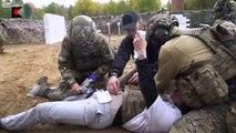 Forces spéciales russes : tirs à balles réelles entre eux à l'entraînement !