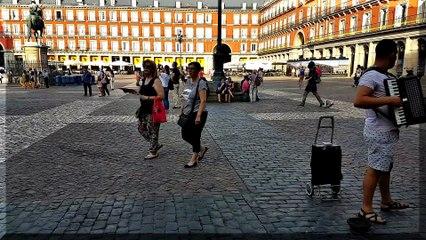 TaNgO en Plaza Mayor, Madrid, España