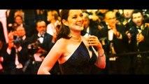 Sexy ! Marion Cotillard, seins nus et en mode caméléon sur Instagram !-jJONFb_iutM