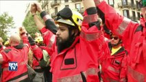 Les indépendantistes manifestent à Barcelone pour dénoncer les violences policières de dimanche