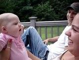 Une drôle de conversation entre un bébé et sa tante !