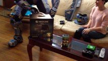 Master Chief Unboxes Halo 5 Guardians XBOX One