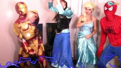 Frozen Elsa & Spiderman CHRISTMAS SPECIAL Princess Anna, Maleficent, Hulk Superheroes in Real Life