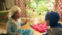 Chef Frozen Elsa Spider-man & Santa How To Make Snowy Christmas Tree Cupcakes Candy Sprinkles