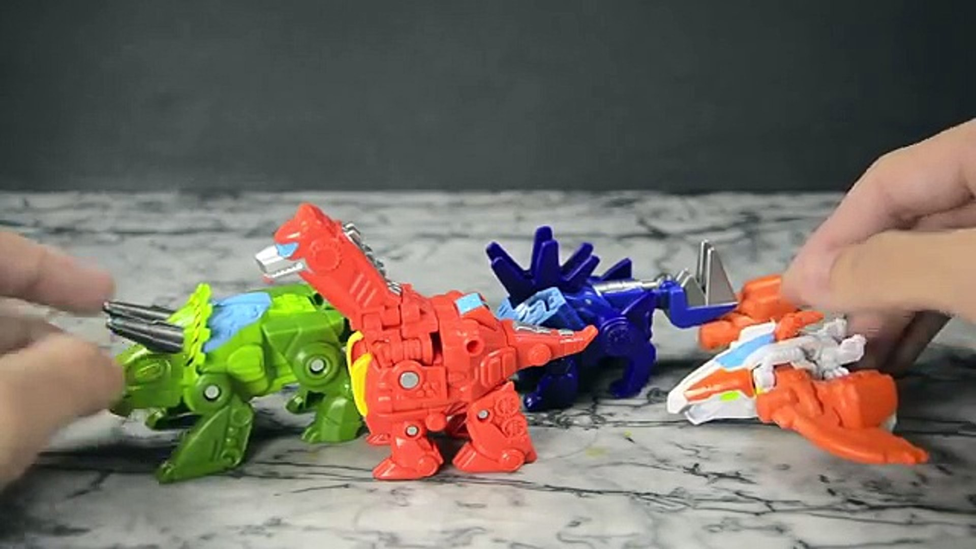 Transformers Reviews-Rescue Bots Roar & Rescue-Dinobots