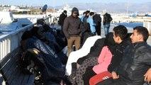 Çeşme'de 54 Suriyeli Göçmen Yakalandı