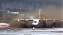 Décollage d'un avion sur une piste recouverte de 20cm de Boue !! Grosse frayeur...