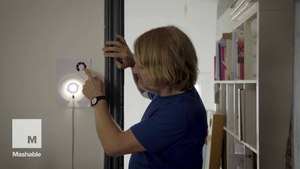 New conductive paint kit allows you to draw your own lamps