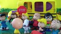 Pig George da Família Peppa Pig atropelado pelo ônibus escolar do Charlies Brown Em Português