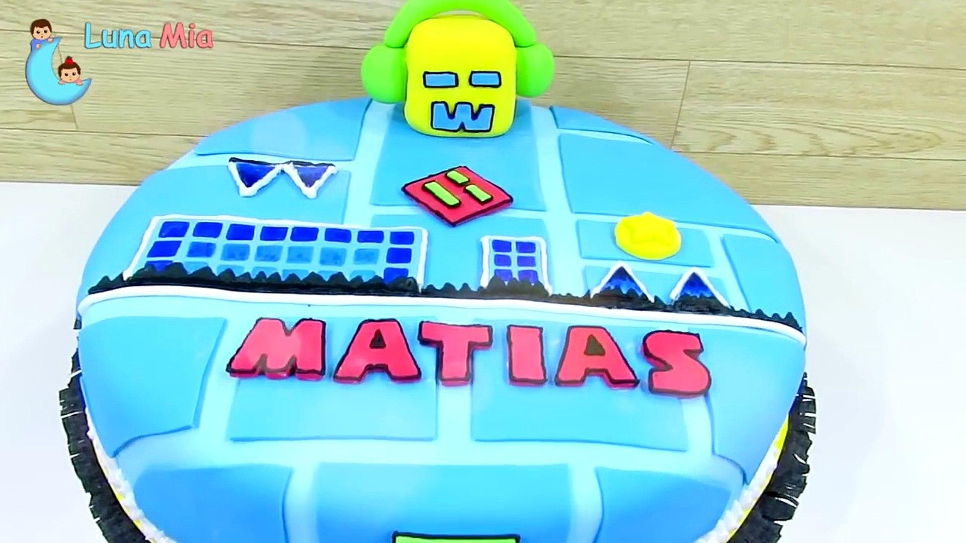 TORTA GEOMETRY DASH / Todos los niveles / cake geometry dash
