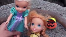 Anna and Elsa Toddlers Halloween Play-doh Surprise Spooky Easter Egg Hunt Toys | Disney Frozen Eggs