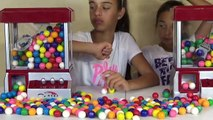 DUBBLE BUBBLE GUMBALL CLAW MACHINE Giant Jawbreaker Smash SOUR WARHEADS CHALLENGE Toys To See