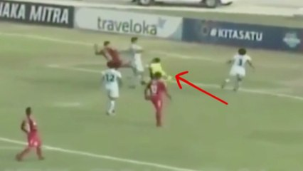 Goalkeeper Tragically Dies After Collision with Teammate During Match