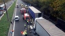 Accident spectaculaire entre des camions et des voitures à Quaregnon..Vidéo Eric Ghislain