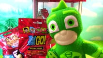 PJ Masks Play the CLAW MACHINE for Toy Surprises! Luna Girl & Romeo Steal from Owlette, Catboy and G