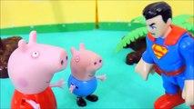 Pig George da Familia Peppa Pig Tenta Voar e se Machuca - Peppa Pig em Portugues