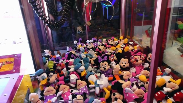 Claws lined up! - Claw Machine Win