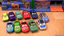Tomica World Highway Busy Drive Speedway Auto Parking Garage Disney Pixar Cars T