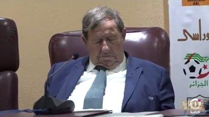 Guy Roux s'endort en pleine conférence à Alger