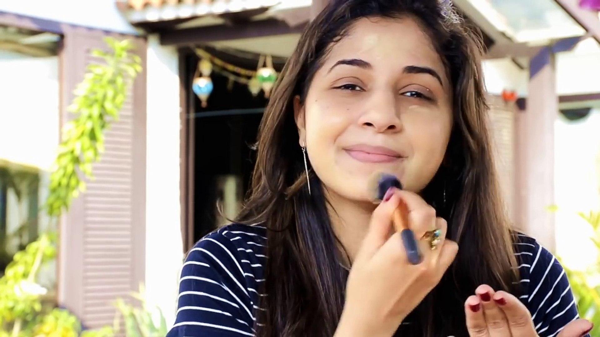 No Mirror Makeup Challenge   Akriti Sachdev