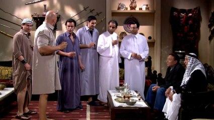 """ذات مومنت """" لما تروح تبات عند ابن خالتك وتلبس لبسه  """" - ناجي عطا الله"""