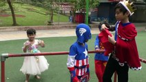 Spiderman FAmily vs ELSA BABY Blindfold Over OBSTACLES Spiderman For Kid #6