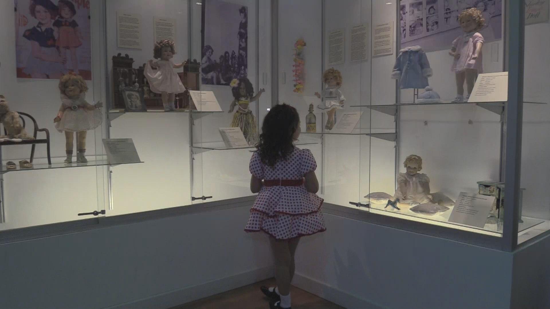 El encanto de Shirley Temple revive con una exposición de muñecas en Bolivia