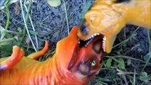 Tyrannosaurus Rex vs Big VelociRaptor. Dinosaurs Toys Battle