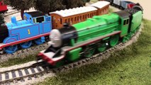 Henrys Long Freight Train Hornby Bachmann Thomas and Friends HO/OO Scale