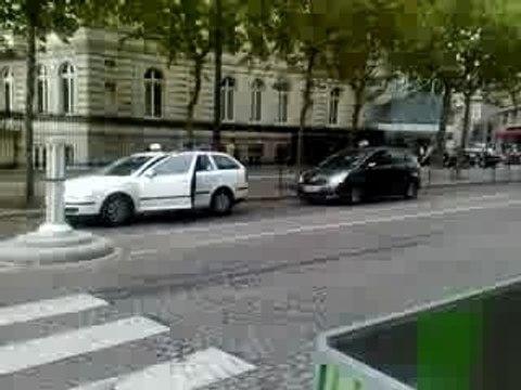 Je me ballade à poil dans Paris