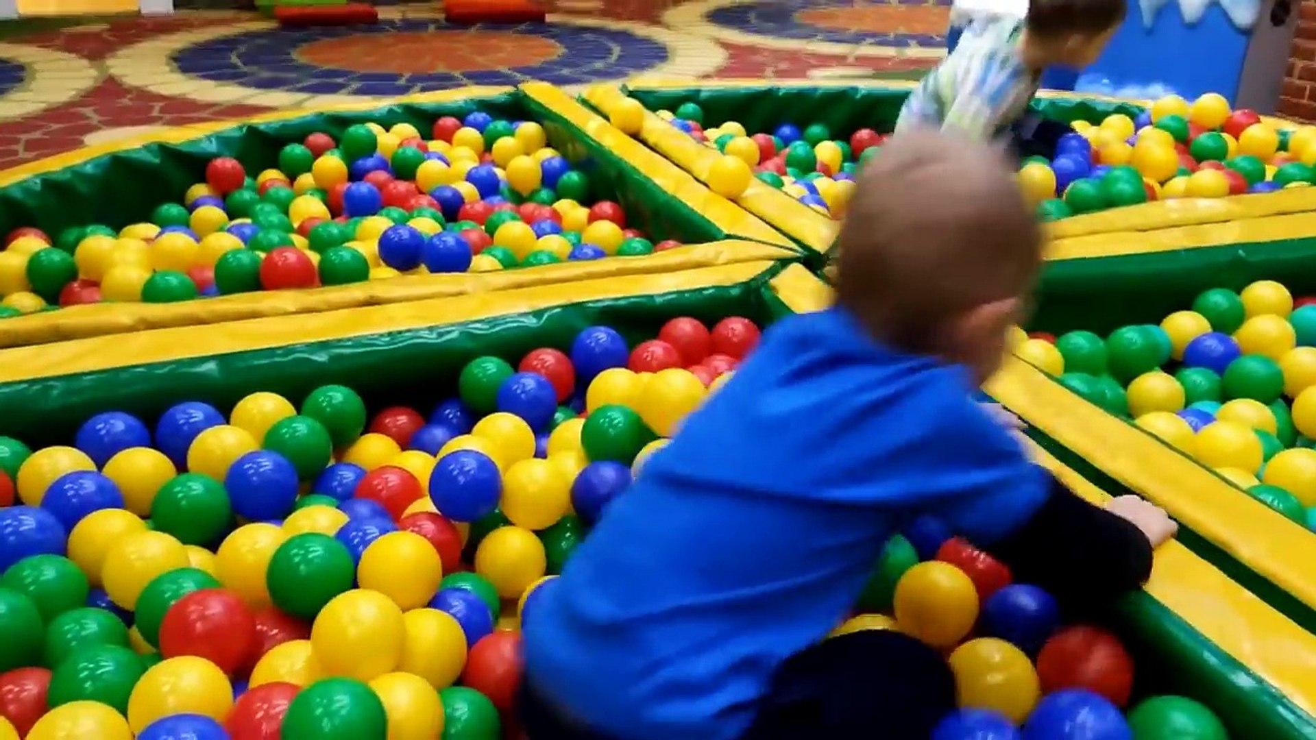 Развлекательный Детский Центр с машинками Хот Вилс и Маквин — kids entertainment center