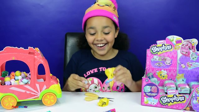 Shopkins Season 5 Petkins Backpack Case - Mega Blind Bags Toy Opening | Toys AndMe