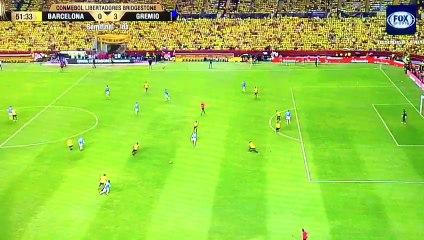 Tercer gol de Gremio en el Monumental