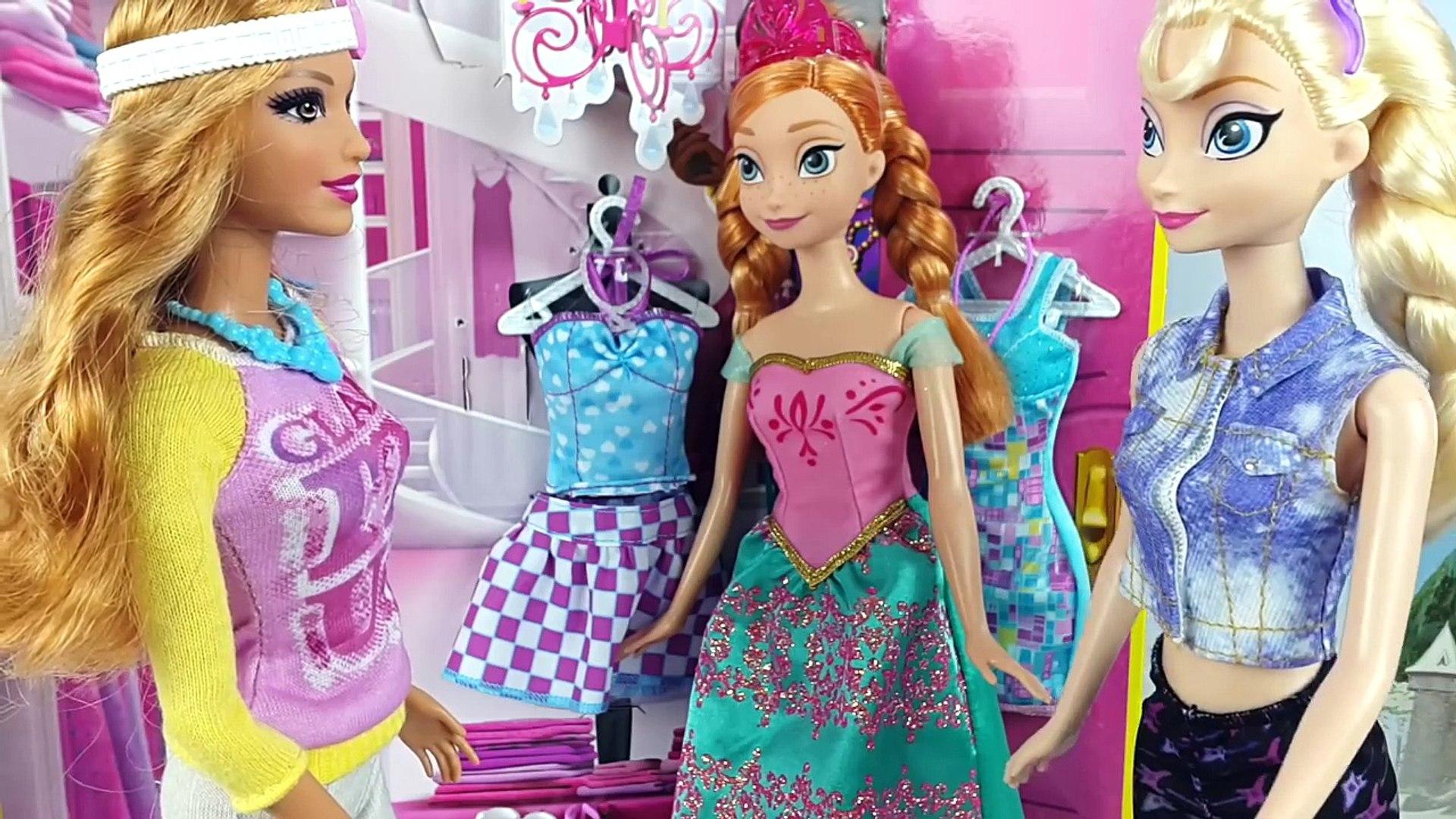 Arendelle En Elsa Shopping Barbie Enamora Un Ana Príncipe Se Con De Frozen Y CstrhQdxB