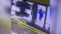Un débile dans un centre de lavage auto !